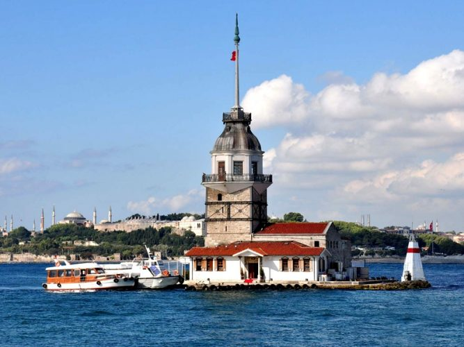 Maiden's Tower / Leander Tower