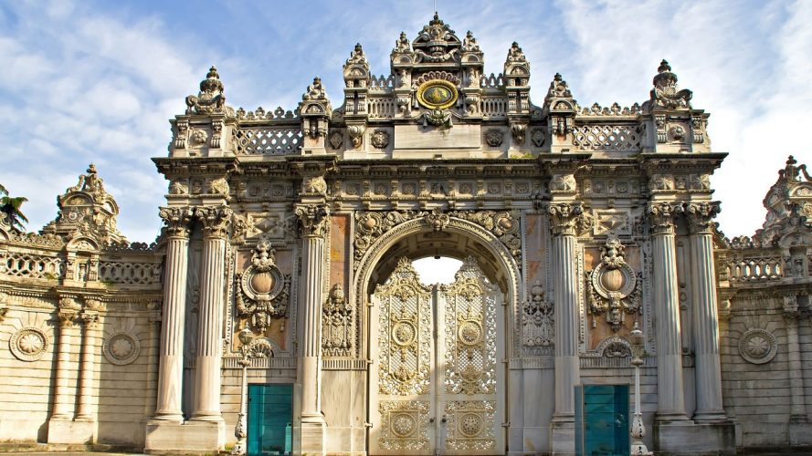 dolmabahce-place-door